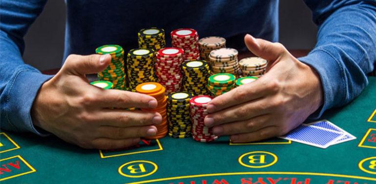 เล่นบาคาร่า มาสามปีกว่าตอนนี้ได้เงินในการเล่นพนันวันละ 900 บาททุกวัน